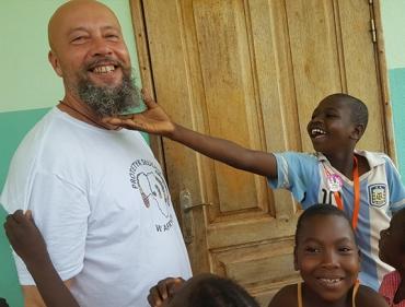 Protetyk słuchu w Afryce
