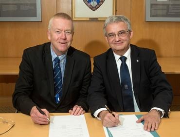 Nowa umowa z Uniwersytetem w Edynburgu
