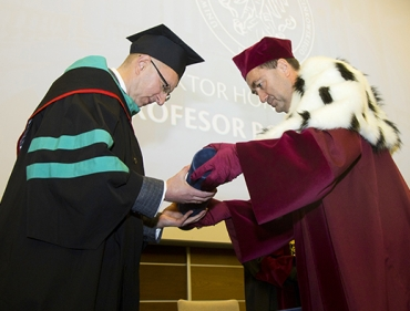 Doktorat honoris causa dla profesora Romana Lesyka