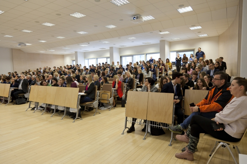 """Konferencja """"Farmakoekonomika szansą na zbilansowanie wydatków systemu opieki zdrowotnej w Polsce"""""""