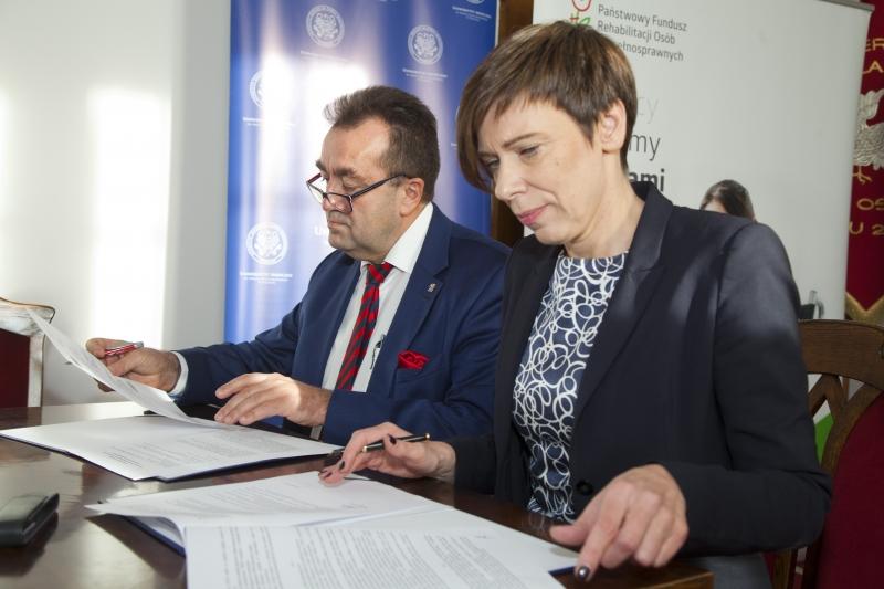 Umowa z PFRON