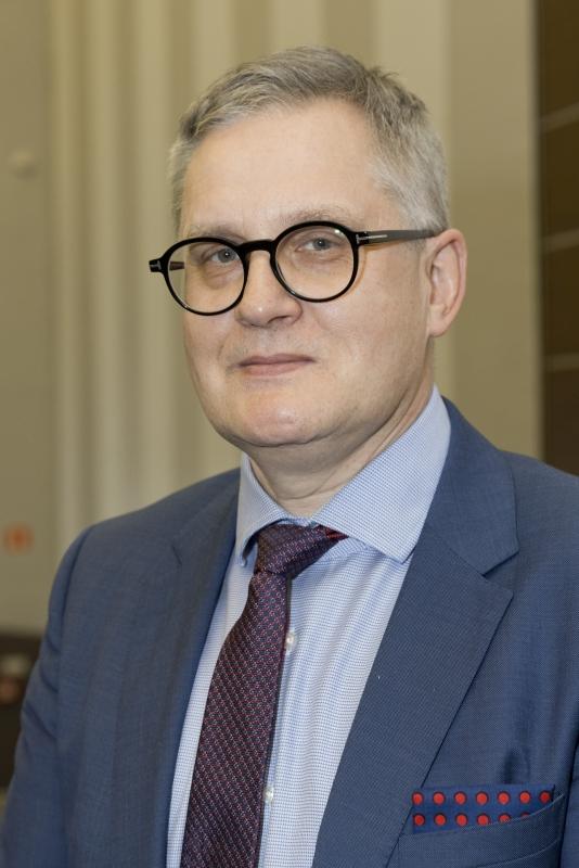 Zdjęcie prortretowe Pana prof. Zbigniewa Krasińskiego